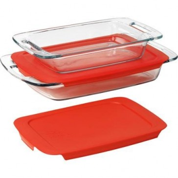 Pyrex 4-Piece Glass Bakeware Set, Made of Non-Porous Slass and Microwave Safe